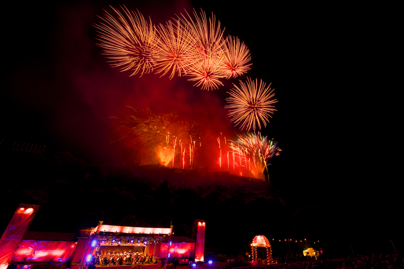 virgin-money-fireworks-concert-edinburgh-castleedinburgh-international-festival-edinburgh-castle-29th-august-2016-11