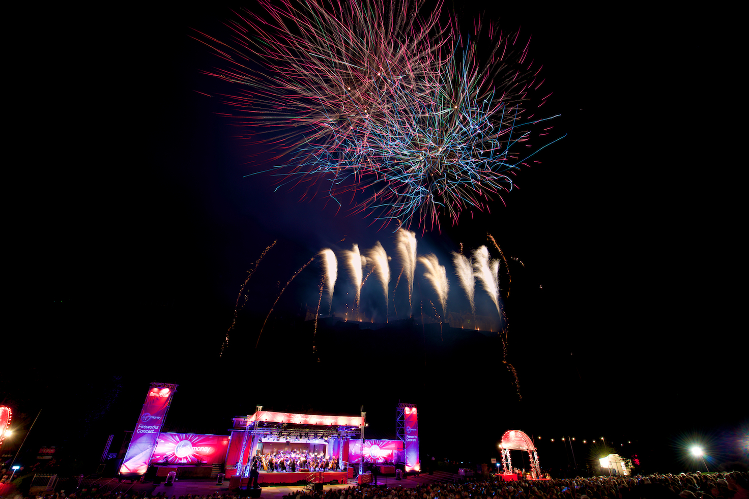 virgin-money-fireworks-concert-edinburgh-castleedinburgh-international-festival-edinburgh-castle-29th-august-2016-2