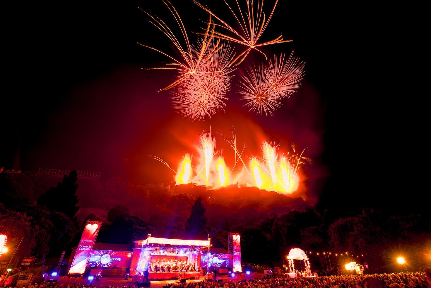 virgin-money-fireworks-concert-edinburgh-castleedinburgh-international-festival-edinburgh-castle-29th-august-2016-3