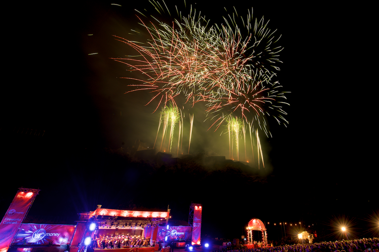 virgin-money-fireworks-concert-edinburgh-castleedinburgh-international-festival-edinburgh-castle-29th-august-2016-5