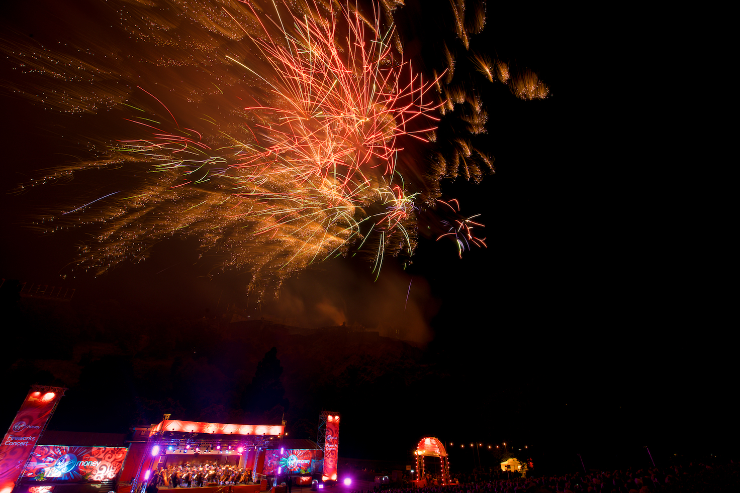 virgin-money-fireworks-concert-edinburgh-castleedinburgh-international-festival-edinburgh-castle-29th-august-2016-9